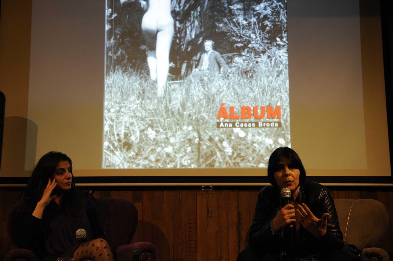 La curadora Ana Casa Broda participa de Diálogos Fotográficos en Valparaíso, FIFV 2016. ©Victor Ruiz Caballero