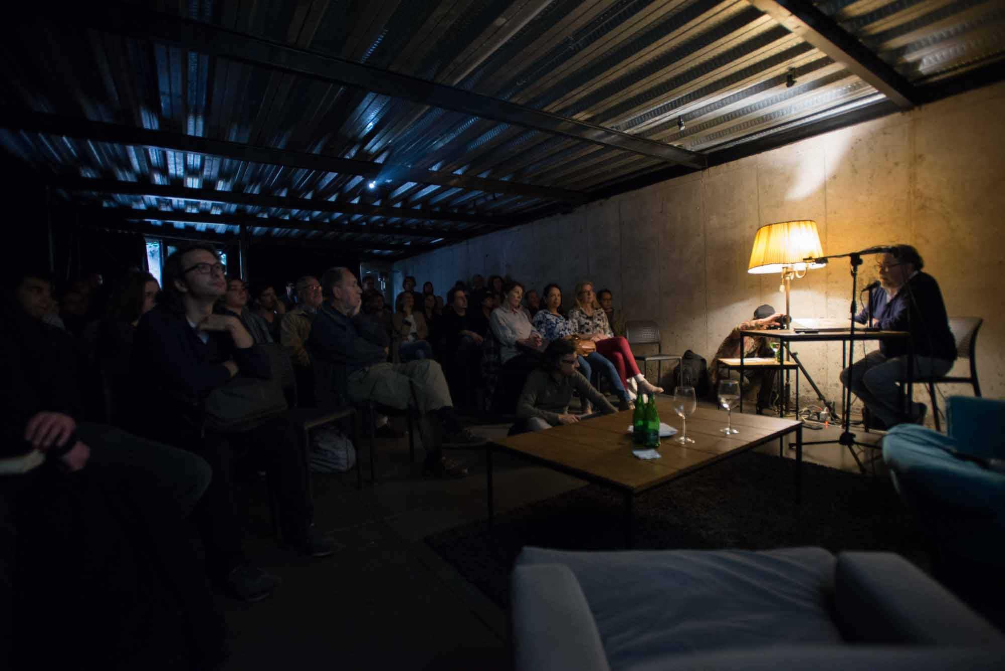 Luis Poirot, fotógrafo chileno participa en Díalogos Fotográficos en el Restaurant El Internado en el marco de la 7ª edición del Festival Internacional de Fotografía en Valparaíso, FIFV 2016. ©Ignacio Lamas