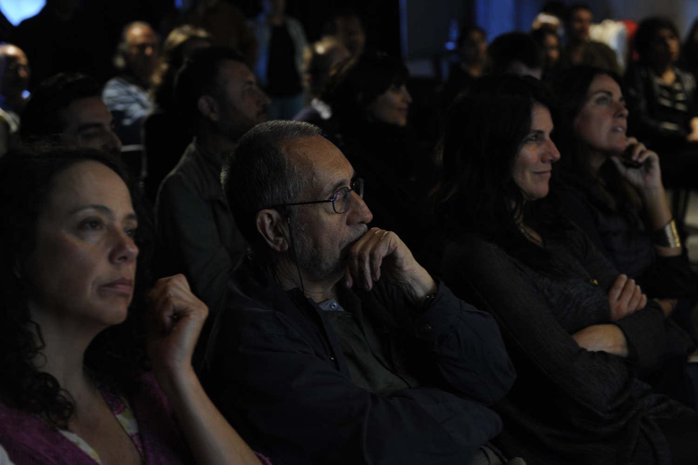 Público asistente participa en el DJ Books de Javier Godoy(Chile),FIFV 2016. ©Victor Ruiz Caballero