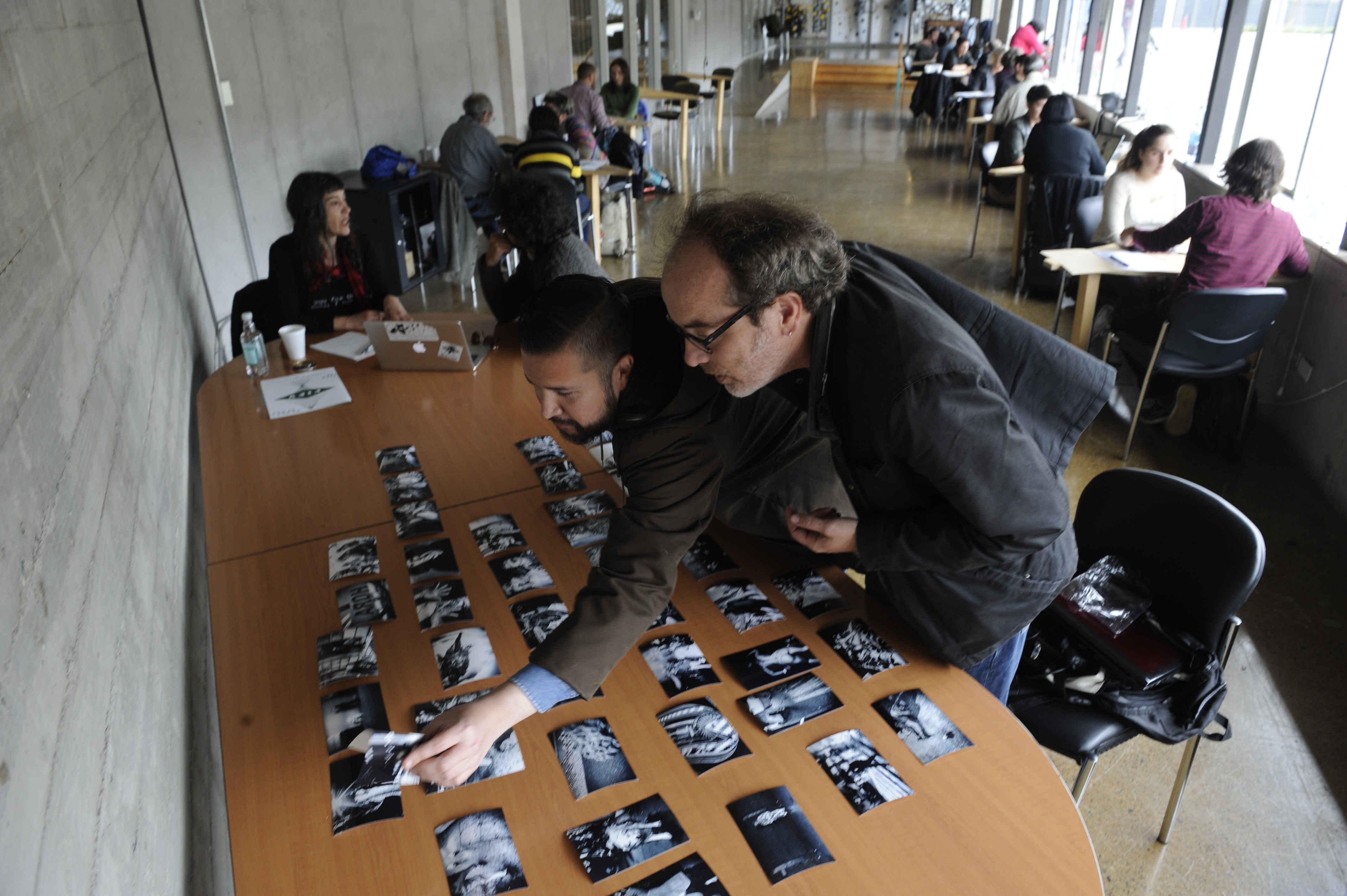 Maestros de la imagen inician revisión de portafolios en la 7ª edición del Festival Internacional de Fotografía en Valparaíso FIFV 2016. ©Victor Ruiz Caballero